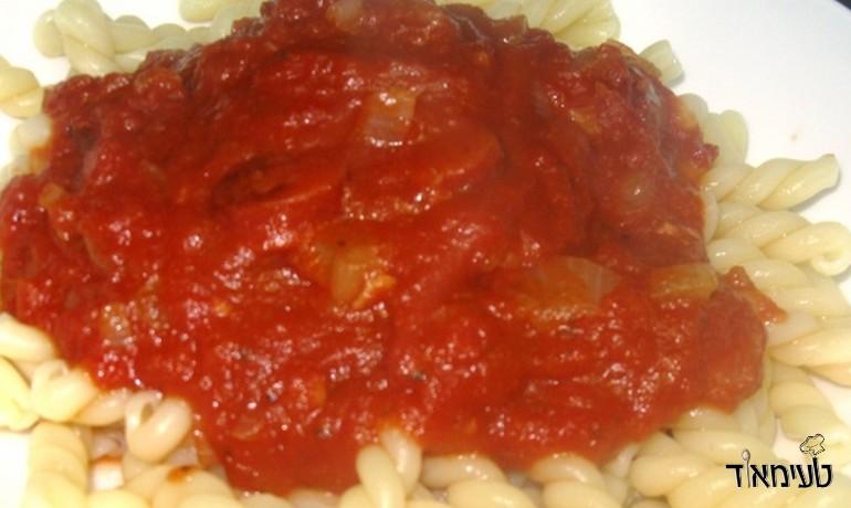 רוטב עגבניות עם קבנוס
